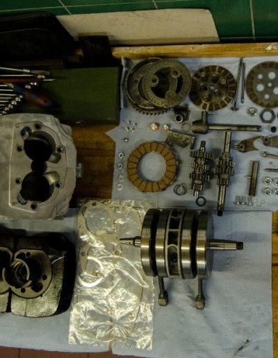 GO motoru – součástky